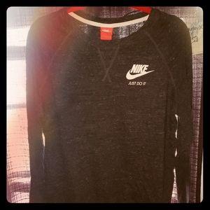 Nike light sweatshirt